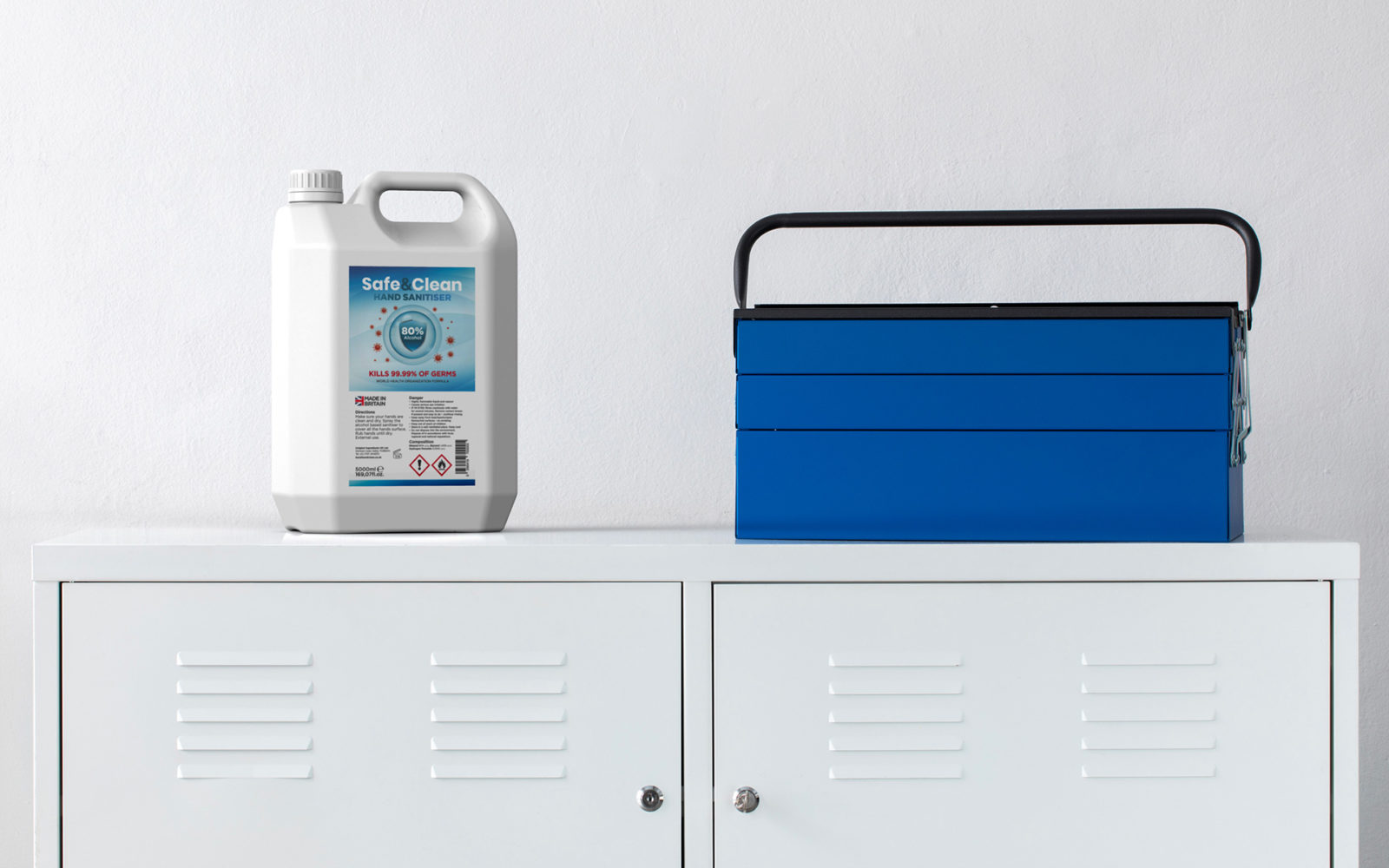 Hand Sanitiser-Tank-Photo in the office-Safe&Clean